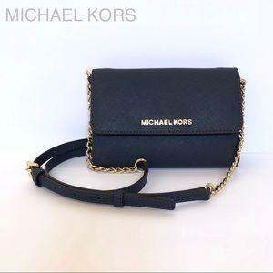 MICHAEL KORS Jet Set Wallet on Chain